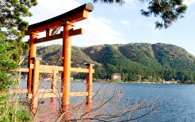 Q.箱根神社とは?|ご利益・アクセス・駐車場など
