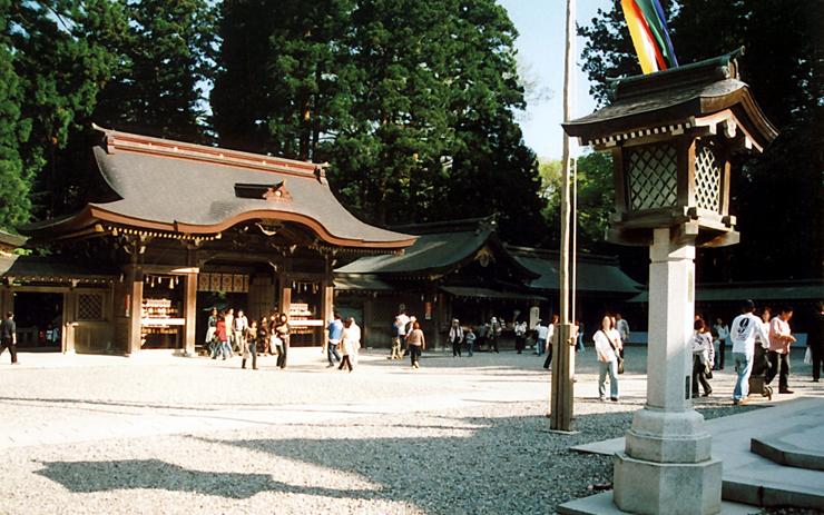 Q.弥彦神社とは?|ご利益・アクセス・駐車場など